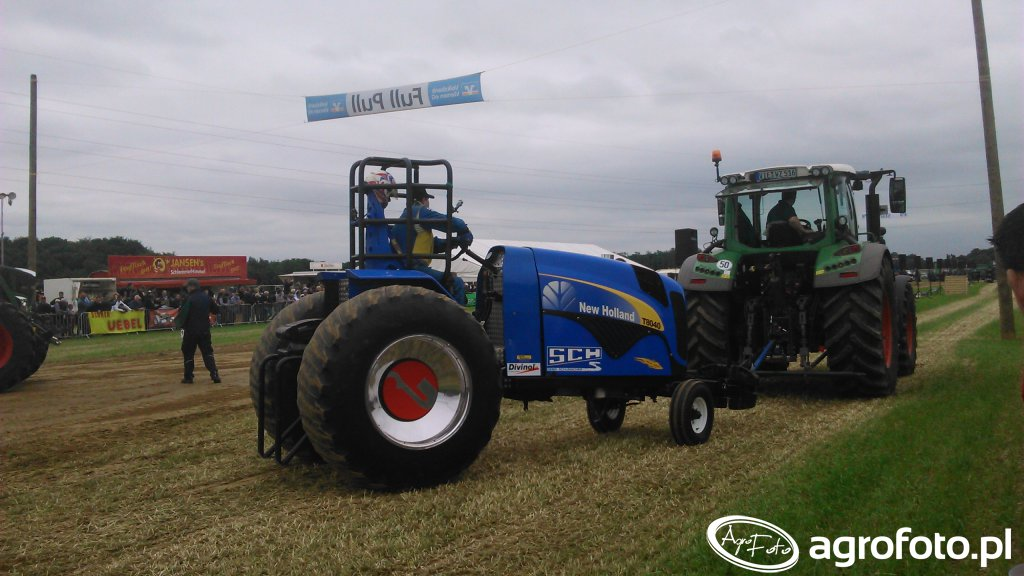 New Holland TG 8040