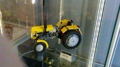 Ursus C-330 z klocków lego