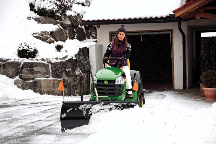 X155R w śniegu.jpg