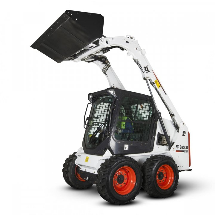 Bobcat-Skid-Steer-Loader-S450_Studio_001_140324.jpg