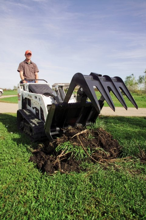Bobcat-Mini-Tracked-Loader-MT55-Grapple-Root-Landscaping-71319-33261_071004.jpg