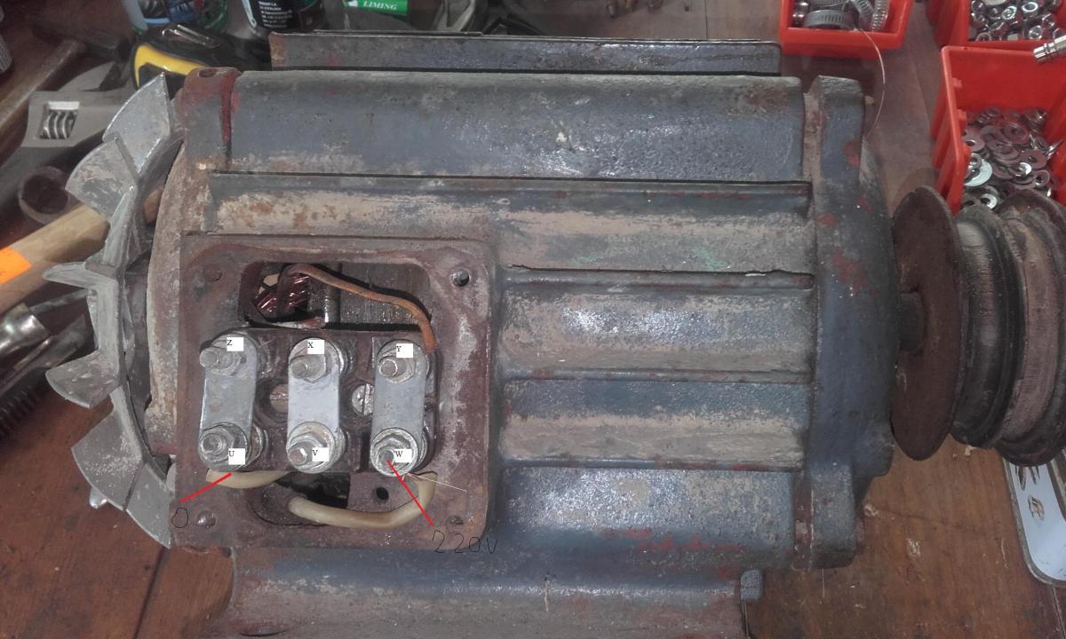 Podłącz kondensator do tyłu