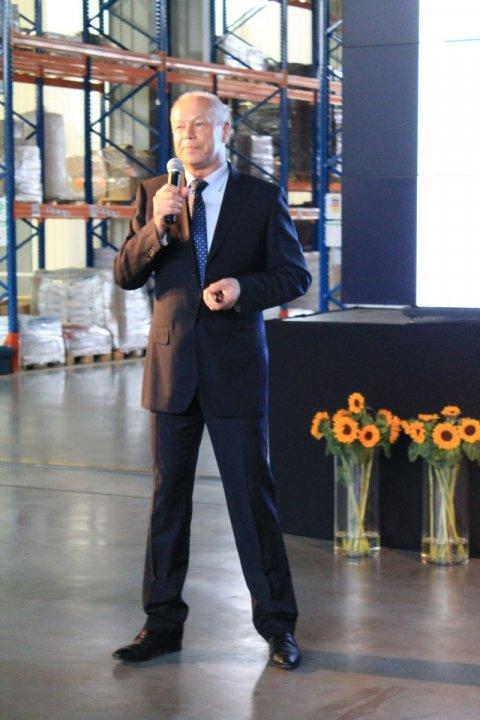 fot 3. Wiesław Ciecierski  Szef Działu Badań i Rozwoju Intermag prezentuje nowe produkty do produkcji roślinnej.jpg