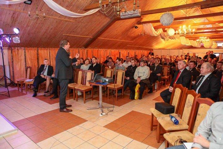 prof. dr hab. W+éodzimierz Nowak Uniwersytet Przyrodniczy Poznan¦ü Podlaskie_Forum_Bydla_2013_20131123_5281.JPG