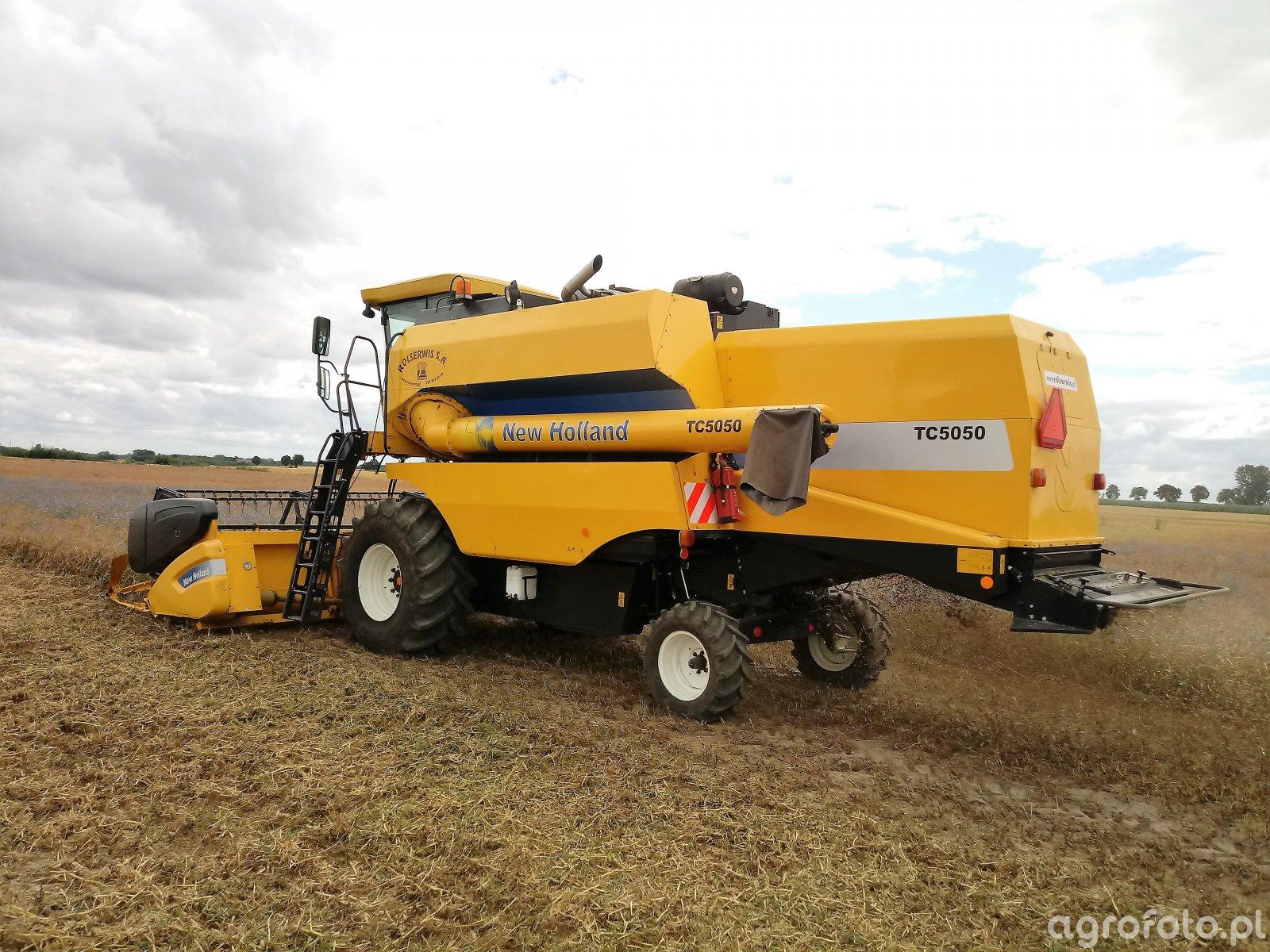 New Holland TC5050