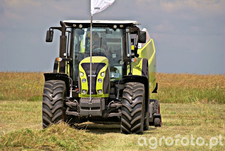 Claas Arion 640 + Claas Variant 360RC