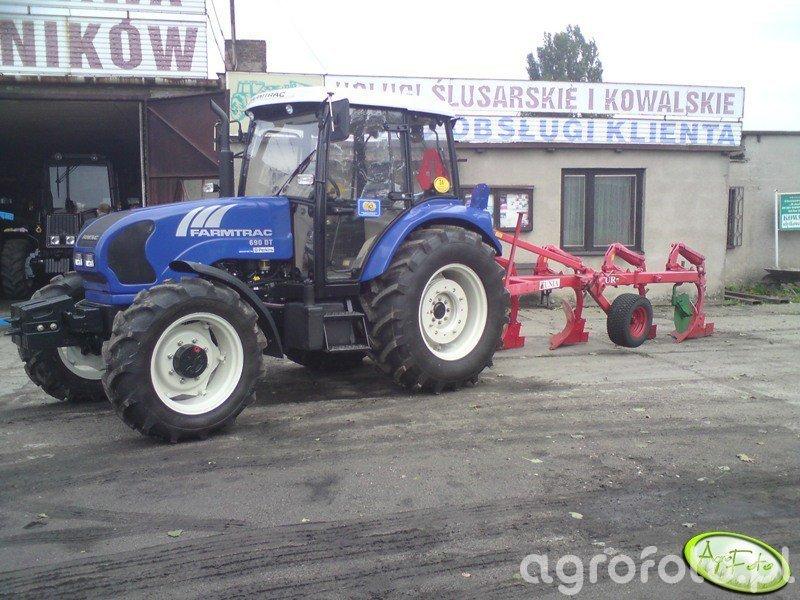 Farmtrac 690 DT + pług