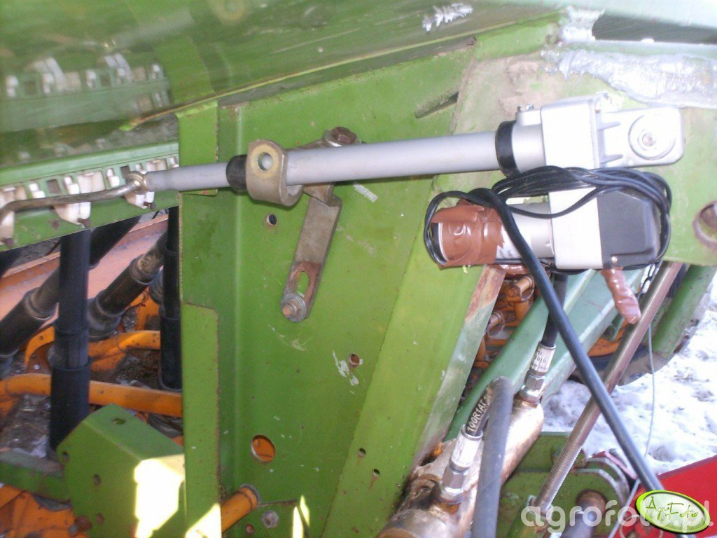 Elektryczne sciezki technologiczne w Amazone D7