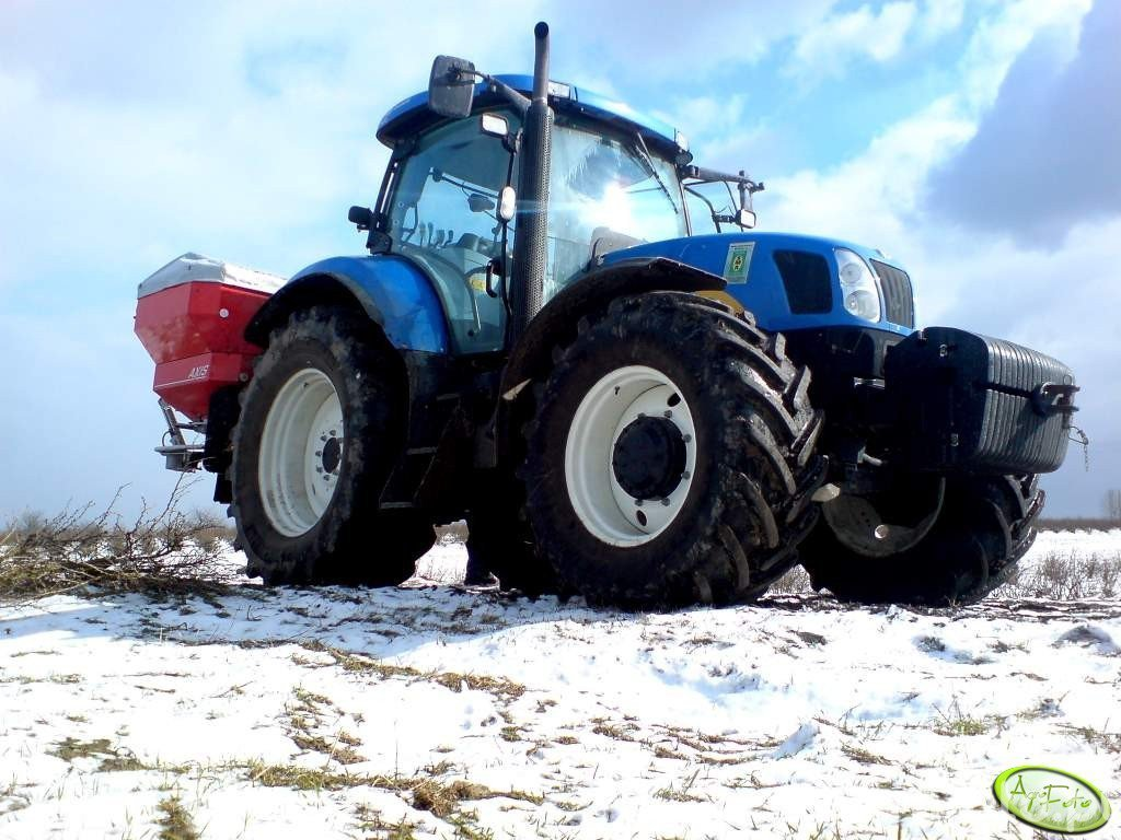 New Holland T6080 RC & RAUCH Axis 30.1