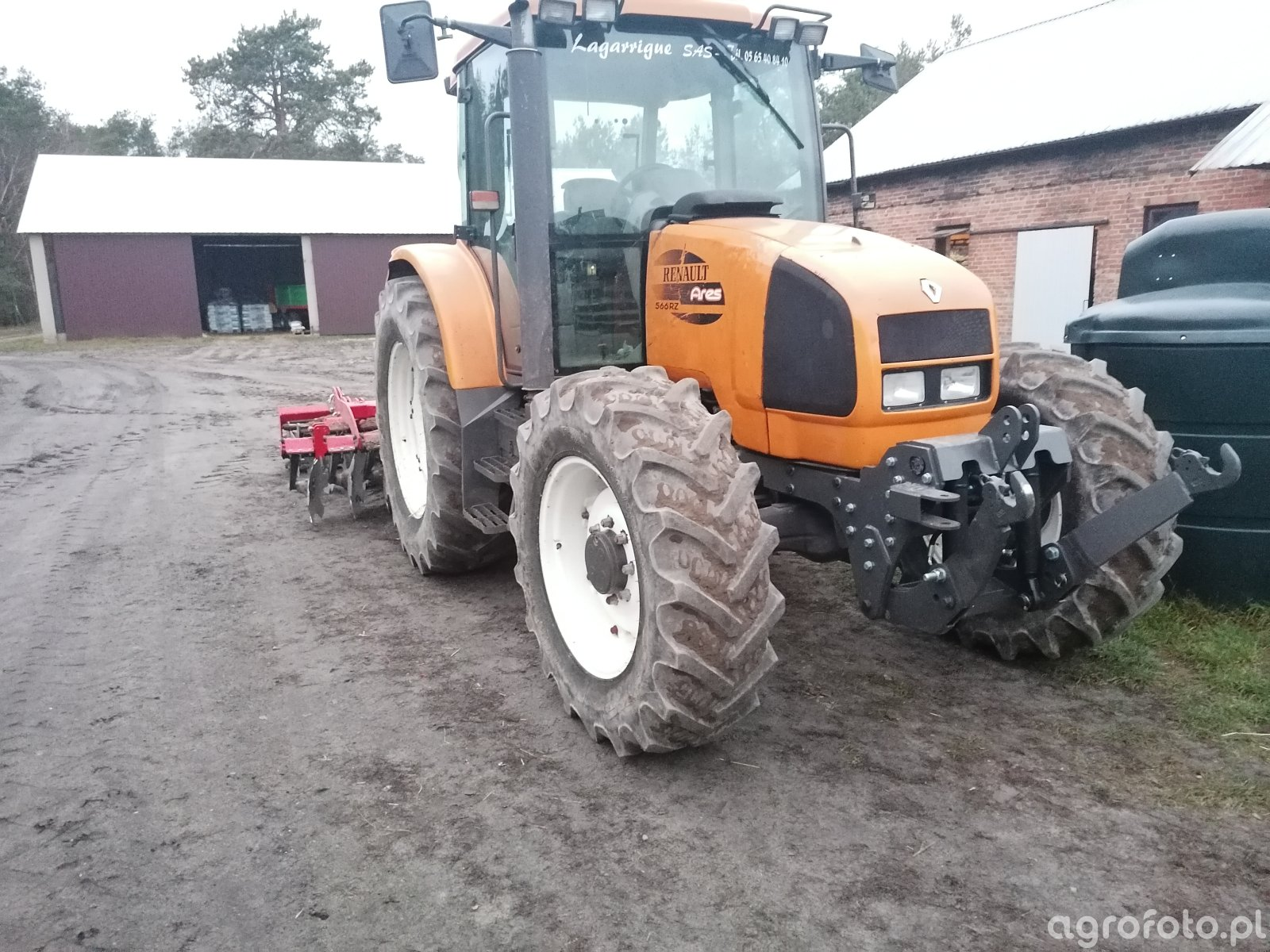 Renault Ares i agro-system