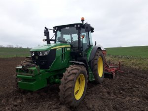 John Deere 6095MC i Kverneland Accord 3m