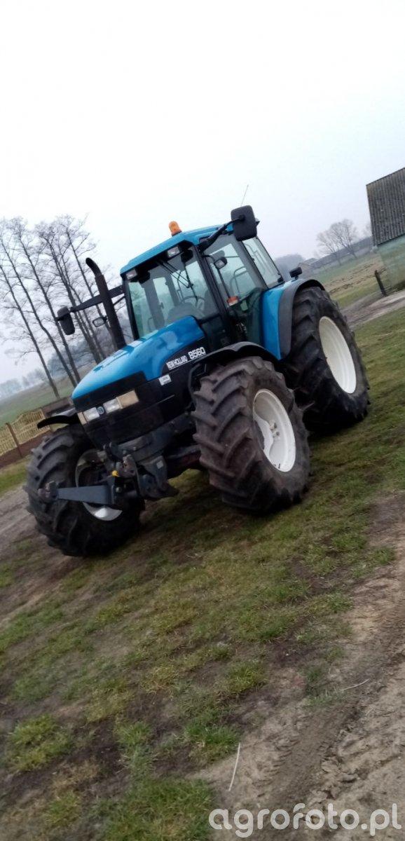 New Holland 8560