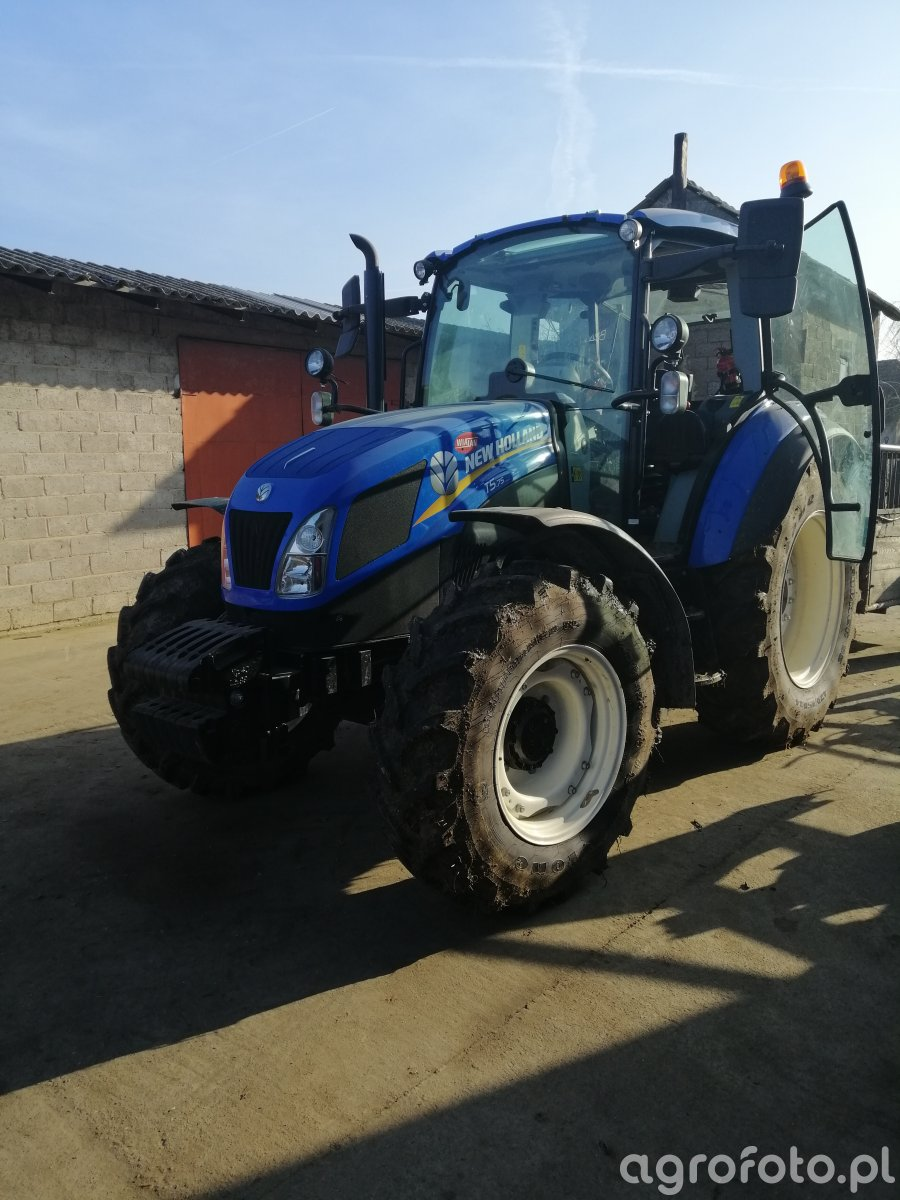 New Holland T5. 75 DC