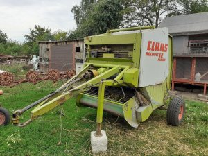 Claas Rollant 42 farmer