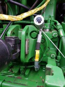 John Deere 6140r - wolny spływ oleju
