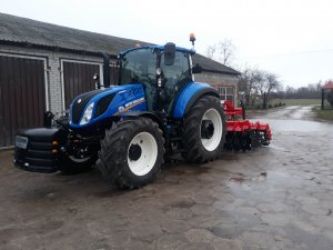 New Holland T5100