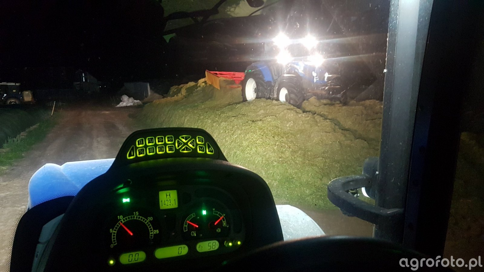 New Holland T6.155 & New Holland T5.105