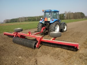 New Holland Td85d +Agro-Factory Gromix