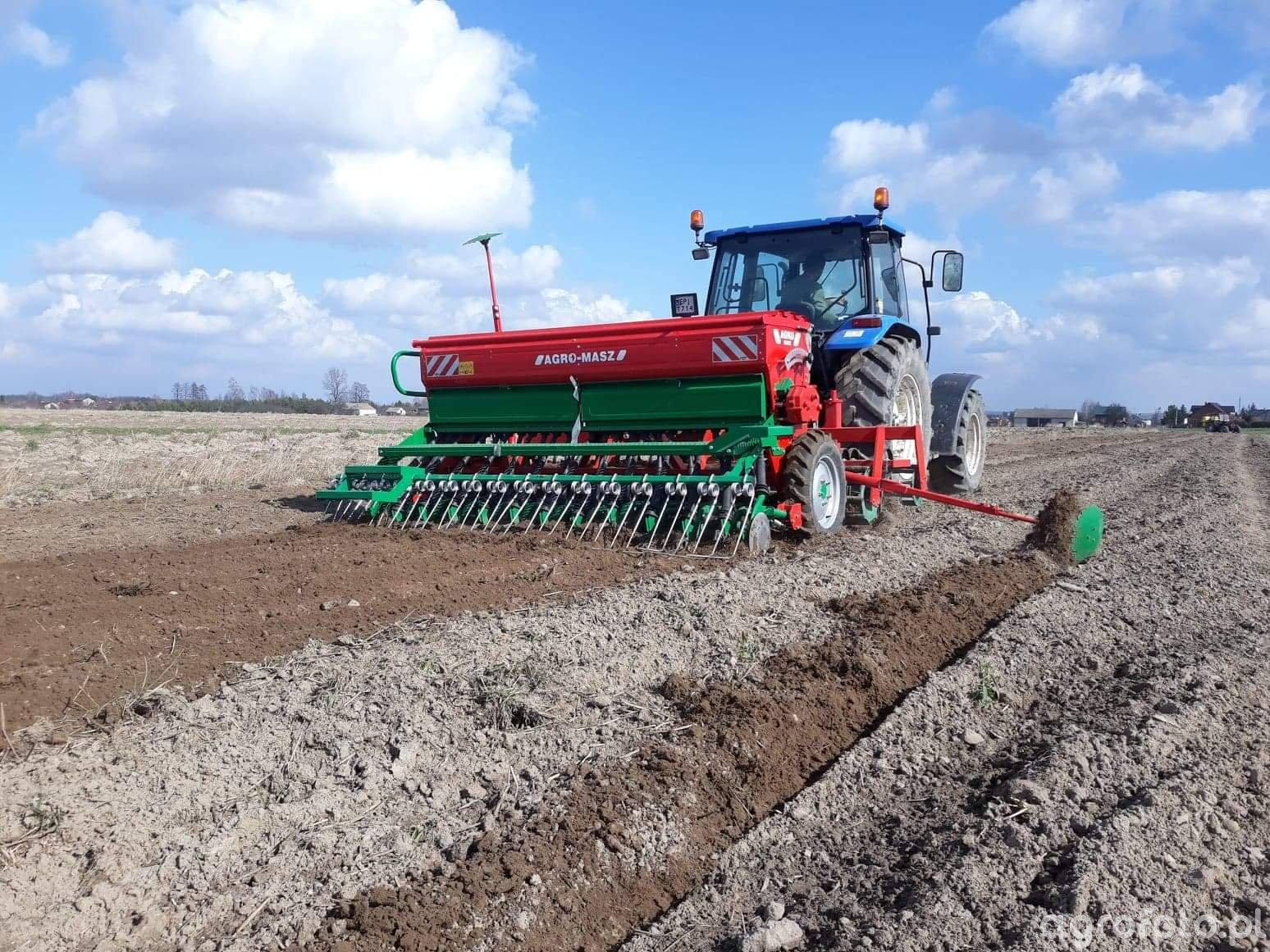 New Holland tl 100 + agro-masz sr 300